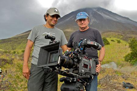 Night Shyamalan et Peter Suschitzky sur le tournage de After Earth, avec leur F65 4K flambant neuve !