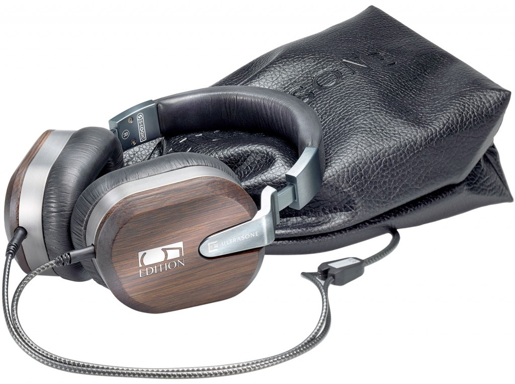 Le casque Ultrasone Edition 5 et sa pochette de transport