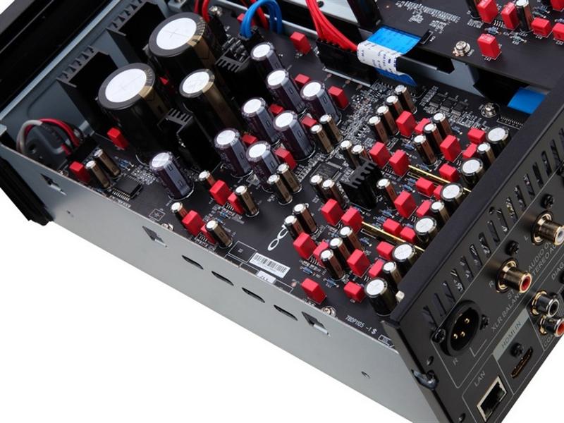 Le Oppo BDP-105D est exclusivement équipé de composants haut de gamme.