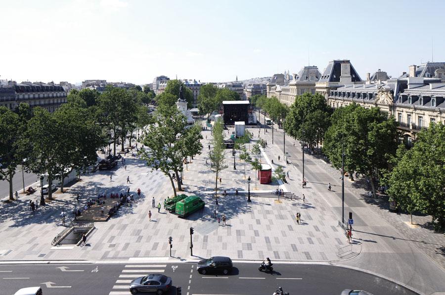 Place de la République, Paris 2013 (Sources : Wikipédia)