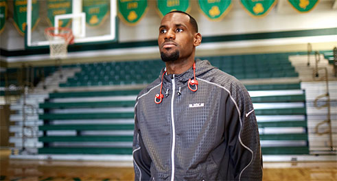 Lebron James en Beats Powerbeats2 Wireless