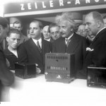 Albert Einstein à l'IFA en 1930 (Sources : Messe Berlin)