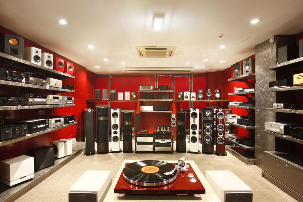 cobra les plus beaux magasins image son de france blog cobra. Black Bedroom Furniture Sets. Home Design Ideas