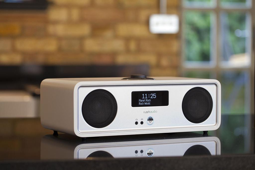 ruark audio ou la radio connect e so british blog cobra. Black Bedroom Furniture Sets. Home Design Ideas