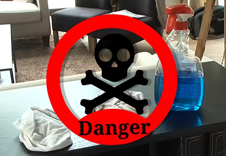 N'utilisez jamais de détergent ou de lave-vitre pour nettoyer votre TV