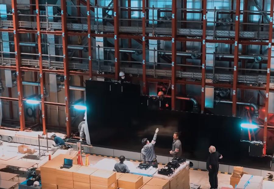 Montage du mur d'écran Sony Crystal LED du Shiseido