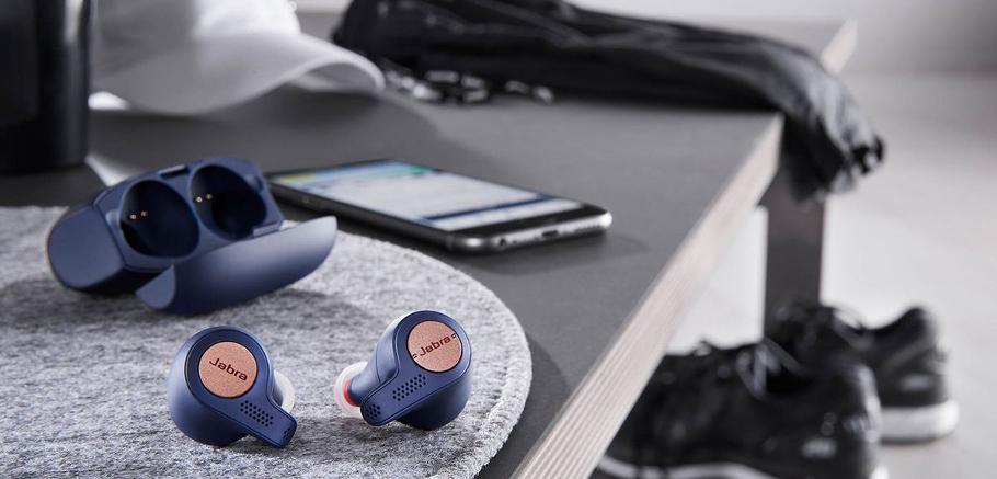 Modernes, les écouteurs intra true wireless assurent un confort d'utilisation incroyable