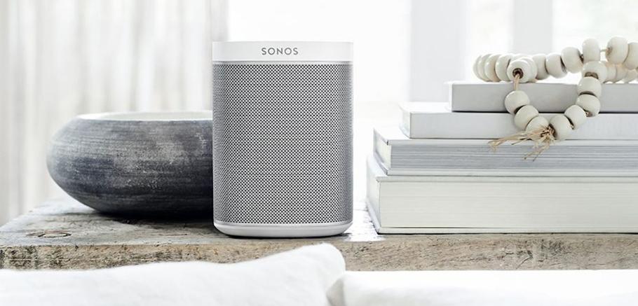Une enceinte sans fil et multiroom comme la Play:1 de Sonos, et c'est le bonheur assuré au pied du sapin