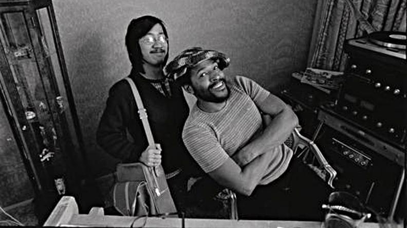 Marvin Gaye en compagnie du journaliste Ben Fong-Torres en 1972